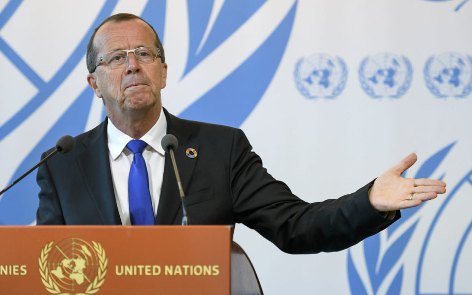 United Nations special envoy on Libya Martin Kobler gestures during a press briefing after an update on the human rights situation in Libya before the UN Human Rights Council at the UN Offices in Geneva on September 27, 2016. / AFP PHOTO / FABRICE COFFRINI