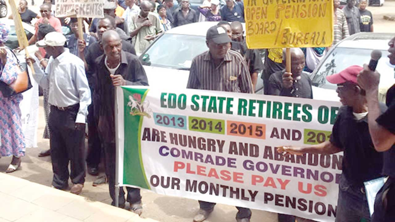 Retirees from Edo State demanding for their pension