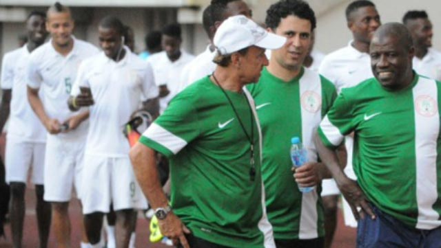 Super Eagles' Coach, Gernot Rohr (left), says he knows what to do to take Nigeria to the Russia 2018 World Cup.