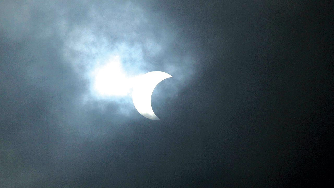 The eclipse in Abuja PHOTO: Ladidi Lucy Elukpo