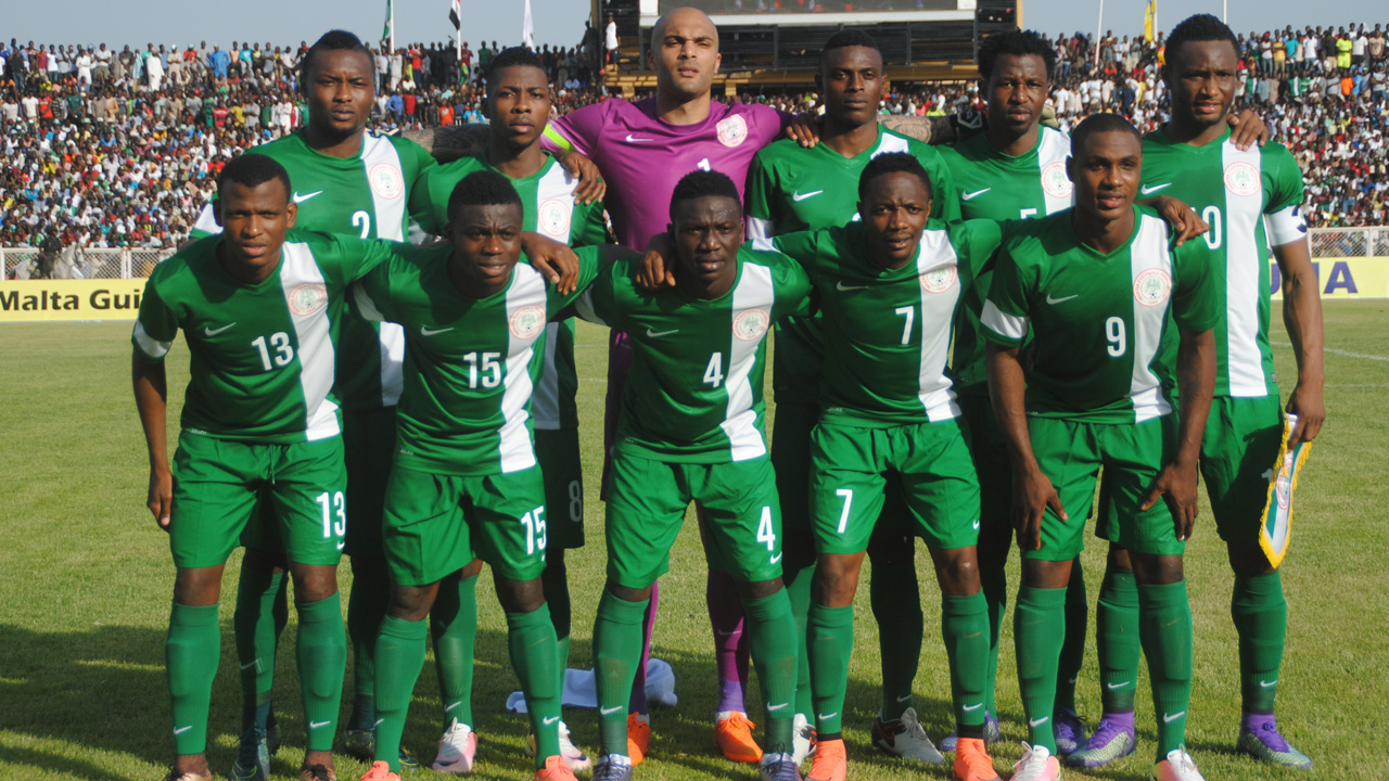 Soccer Players: FIFA Rankings: Nigeria Starts 2017 Among Top 50 Teams