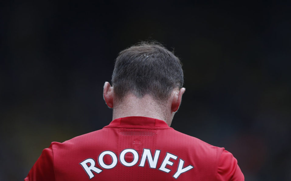 Manchester United's English striker Wayne Rooney walks from the pitch after losing the English Premier League football match between Watford and Manchester United at Vicarage Road Stadium in Watford, north of London on September 18, 2016. / AFP PHOTO / Adrian DENNIS /