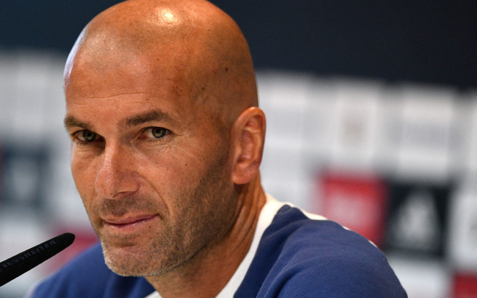 Real Madrid's French coach Zinedine Zidane looks on during a press conference at Valdebebas training ground in Madrid on September 9, 2016, on the eve of the Spanish League match Real Madrid CF vs Osasuna. / AFP PHOTO / GERARD JULIEN