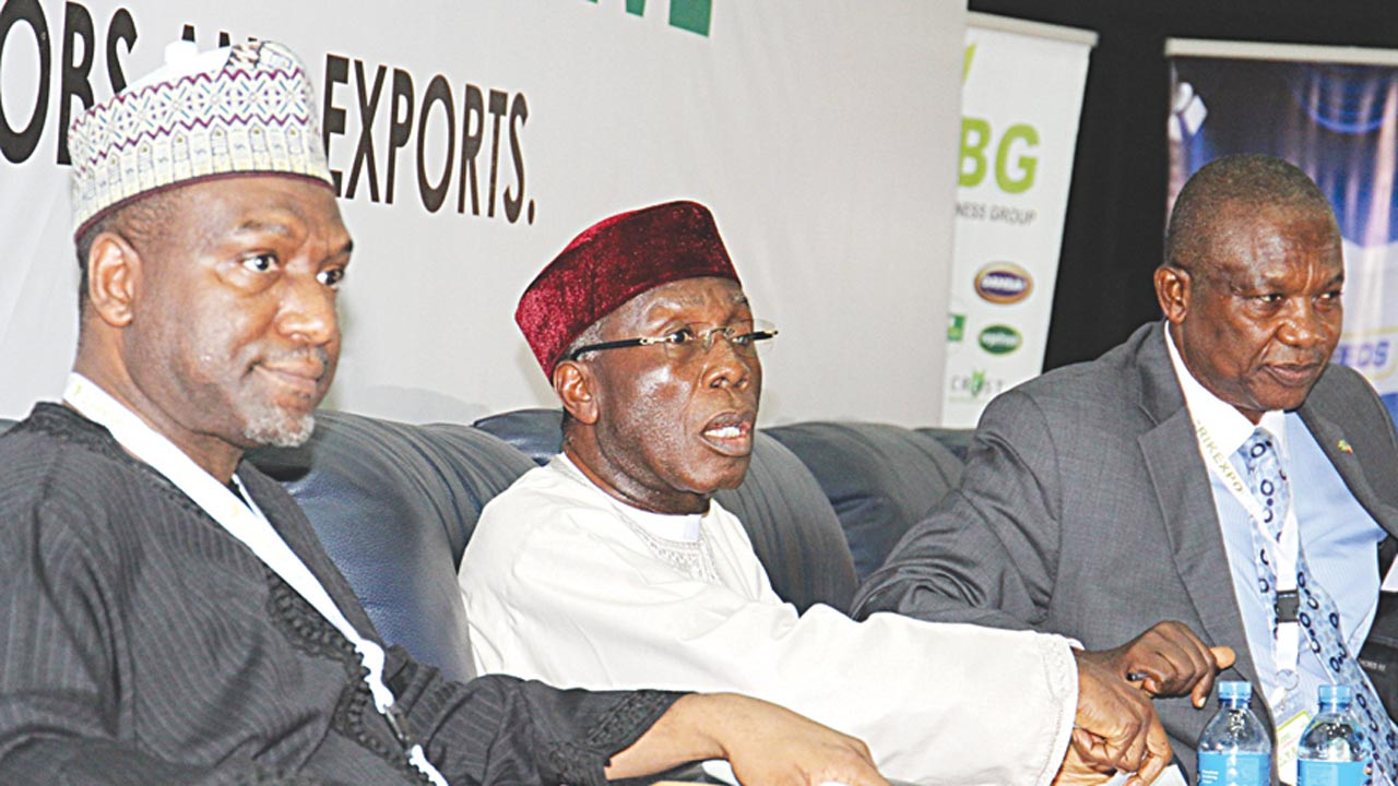 Executive Director, Dangote Sugars, Alhaji Sanni Dangote (left); Minister of Agriculture and Rural Development, Chief Audu Ogbe and Mazi Ohunabunwa during the AGRIEXPO and Nigeria Agribusiness Group conference in Abuja…yesterday
