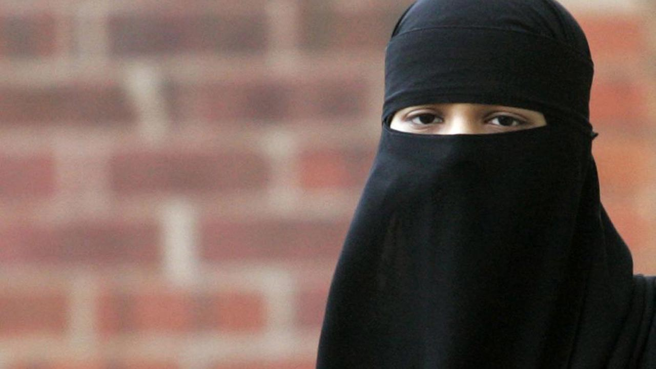 face-covering-Islamic-veils-