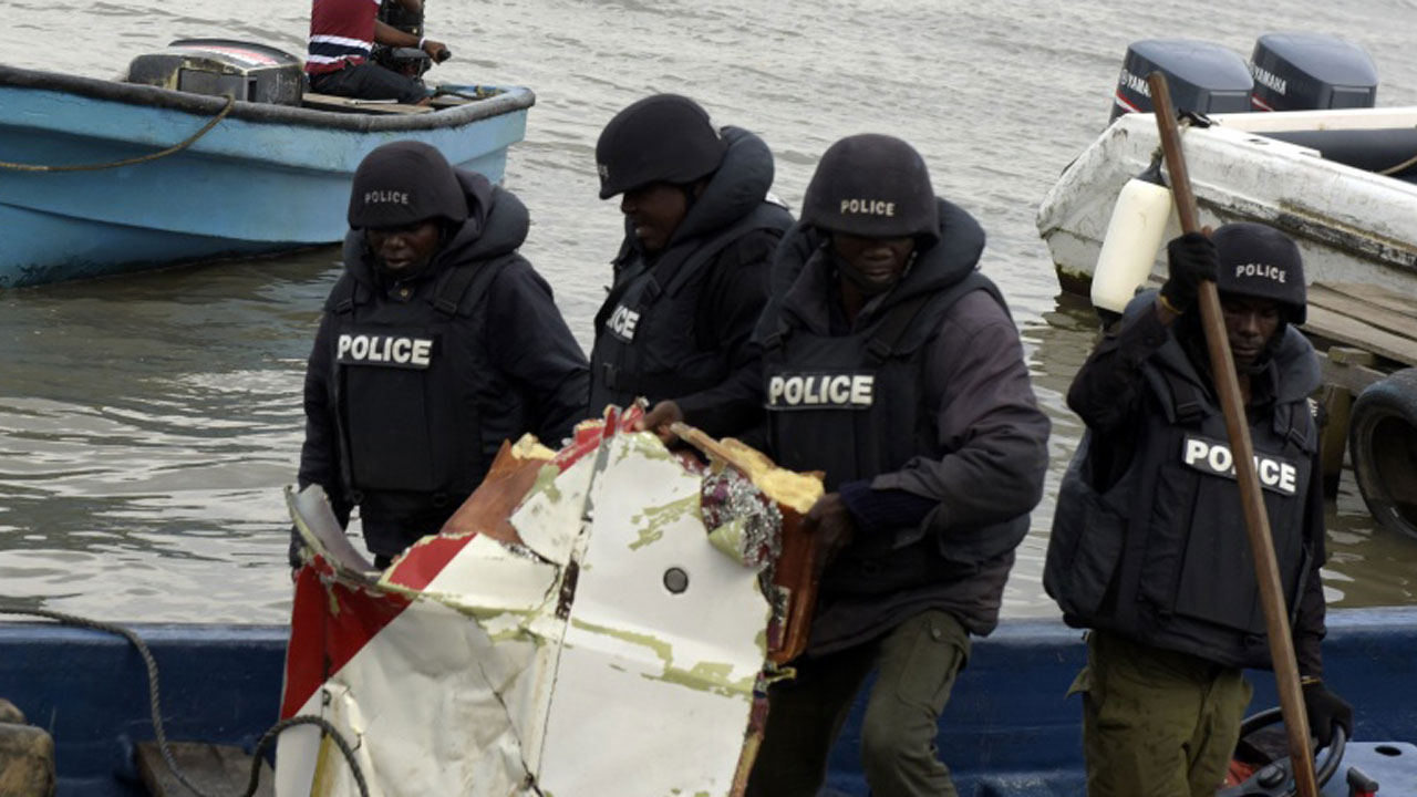 Marine policemen allegedly kill boat operator for refusing to give bribe