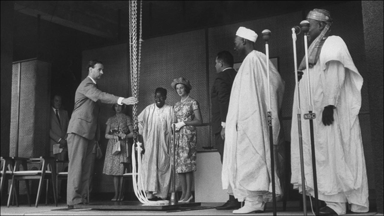 Prime Minister of Nigeria Abubakar Tafawa Balewa (2R), Princess Alexandra (C)PHOTO: www.bbc.co.uk