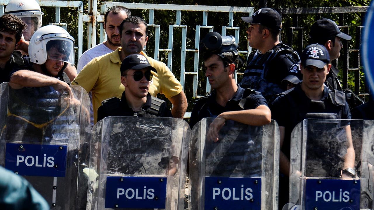 Turkish police. PHOTO: ILYAS AKENGIN / AFP