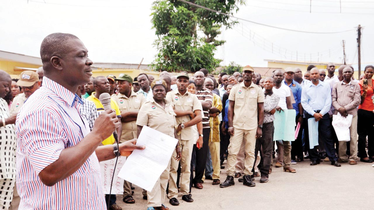 A cross section of aviation workers during a protest in Lagos