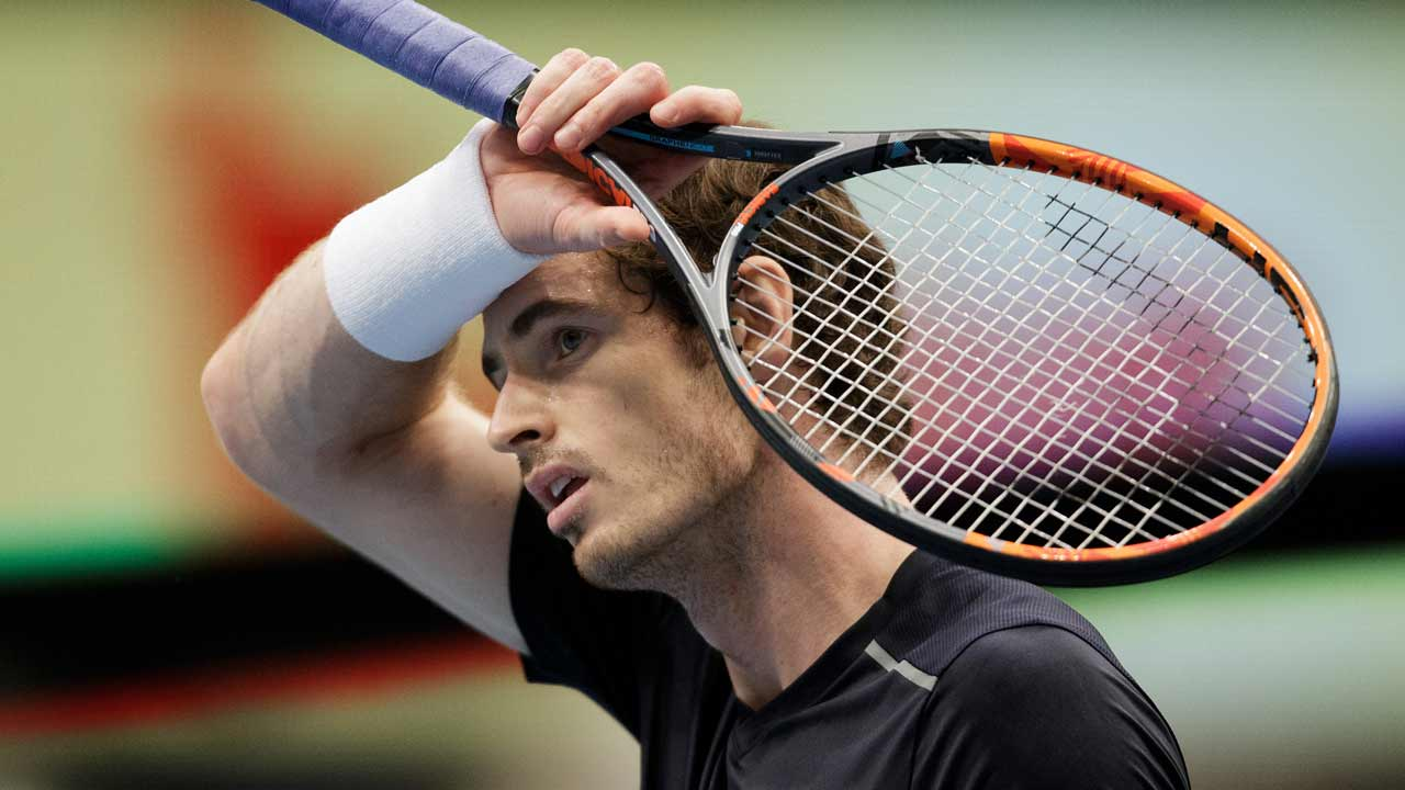 Britain's Andy Murray reacts after winning against USA's John Isner during their quarter final match at the ATP tennis tournament in Vienna, Austria, on October 28, 2016. GEORG HOCHMUTH / APA / AFP