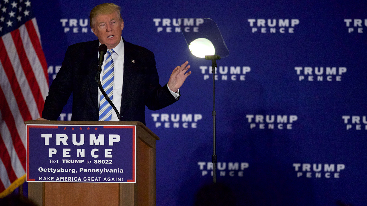 GETTYSBURG, PA - OCTOBER 22: Republican Presidential nominee Donald J. Trump holds an event at the Eisenhower Hotel and Conference Center October 22, 2016 in Gettysburg, Pennsylvania. Trump delivered a policy speech announcing his plans for his first 100 days in office. Mark Makela/Getty Images/AFP Mark Makela / GETTY IMAGES NORTH AMERICA / AFP