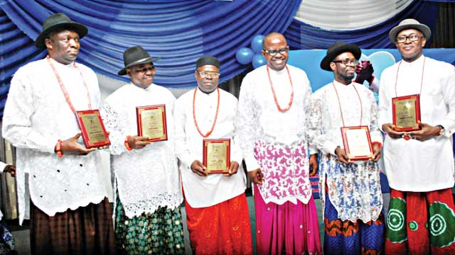 The awardees: Teddy Okumakube (left), David Akoro, Andrew Agbaga, President of Atamu Social Club, Johnson Agagbo; Stephen Ighomuaye and Abraham Ogbodo