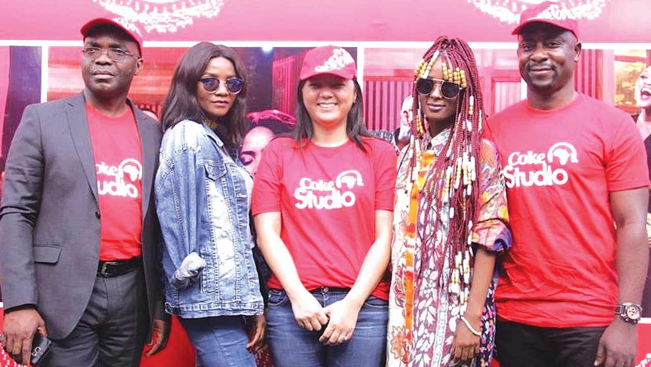 Cletus Onyebuoha, Marketing Manager, Coca-Cola Nigeria (left); Tanzanian Vanessa Mdee; Patricia Jemibewon, Marketing Director, Coca-Cola Nigeria; singer Simi and Clement Ugorji, Director, Public Affairs and Communications, Coca-Cola West Africa Business Unit.