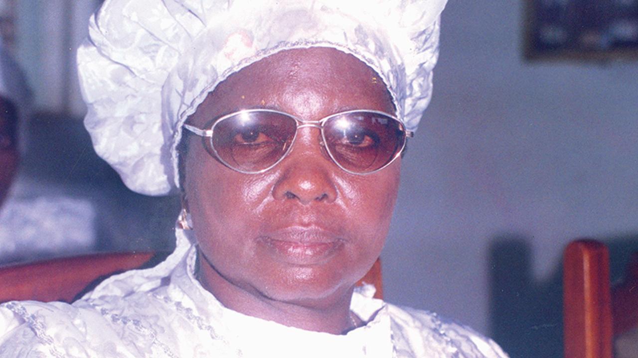 Dr. El-Miram Dupe Akinwande