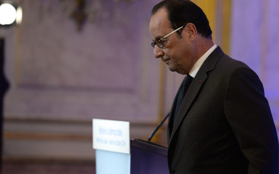 French President Francois Hollande  / AFP PHOTO / POOL / STEPHANE DE SAKUTIN