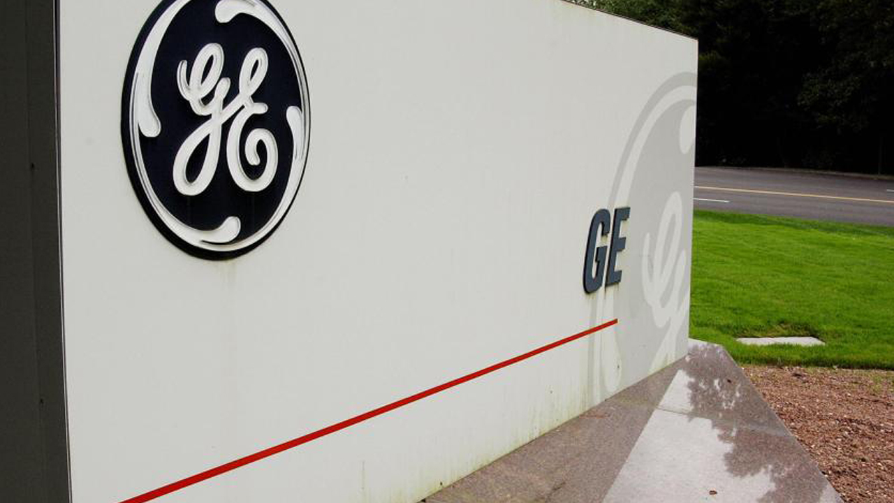 A sign outside the corporate headquarters of the General Electric company, 18 September, 2003, in Fairfield, Connecticut. AFP PHOTO/Stan HONDA (Photo credit should read STAN HONDA/AFP/Getty Images)