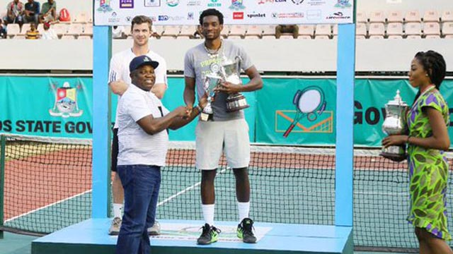 Governor Akinwunmi Ambode presenting trophy to the winner during last year's final at the Lagos Lawn Tennis Club, Onikan