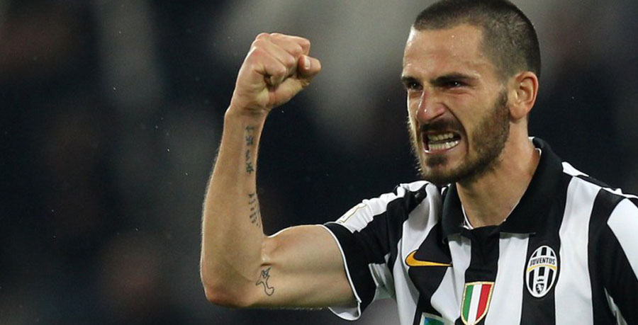 "Juventus' defender Leonardo Bonucci celebrates after scoring during the Italian Serie A football match Juventus vs Lazio at ""Juventus Stadium"" in Turin on April 18, 2015.    AFP PHOTO / MARCO BERTORELLO/Getty Images/ AFP"