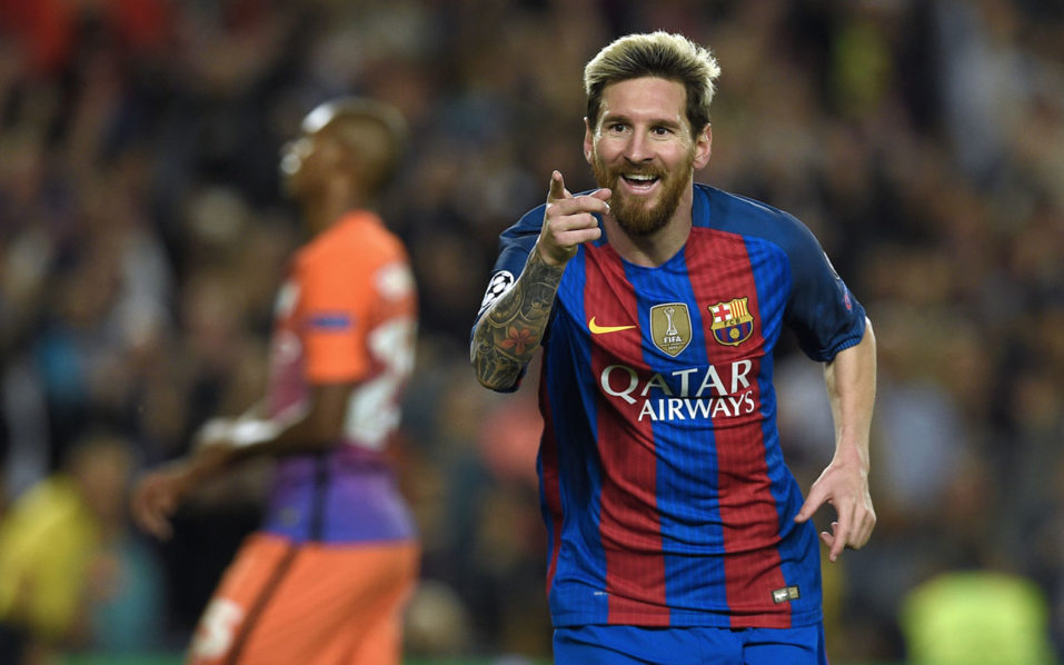 Barcelona's Argentinian forward Lionel Messi celebrates a goal during the UEFA Champions League football match FC Barcelona vs Manchester City at the Camp Nou stadium in Barcelona on October 19, 2016. / AFP PHOTO / LLUIS GENE