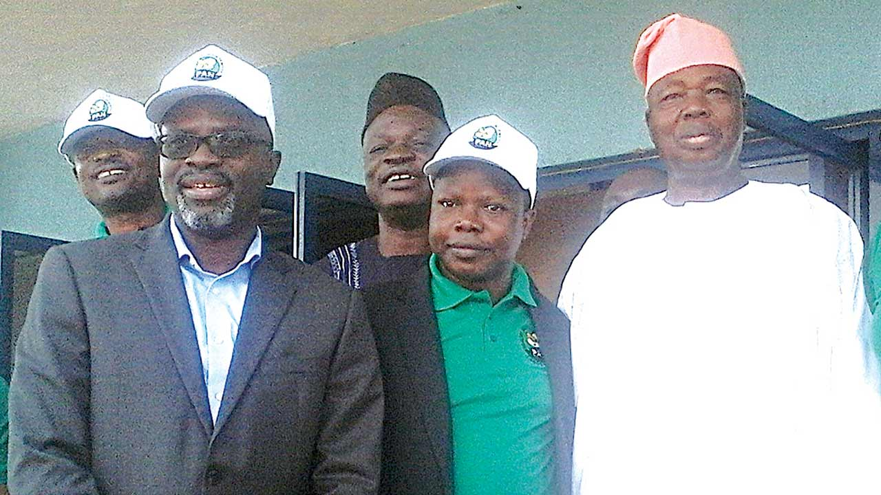 National President, Poultry Association of Nigeria (PAN), Dr. Ayoola Oduntan (l); Chairman, International Poultry Academy, Alhaji Lanre Bello; Chairman, PAN, Lagos State Chapter, Prince Adetoyi Ezekiel Olabode; and Chairman, Tuns Farm Limited, Alhaji Tunde Badmus, at the Annual Pan-Lagos Poultry Show and Exhibition, held in Lagos.