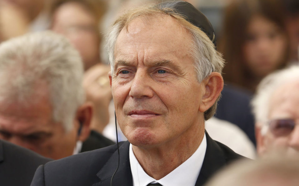 British former prime ministers Tony Blair / AFP PHOTO / POOL / ABIR SULTAN