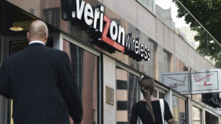 Verizon Communications acquires Yahoo for $4.48 billion