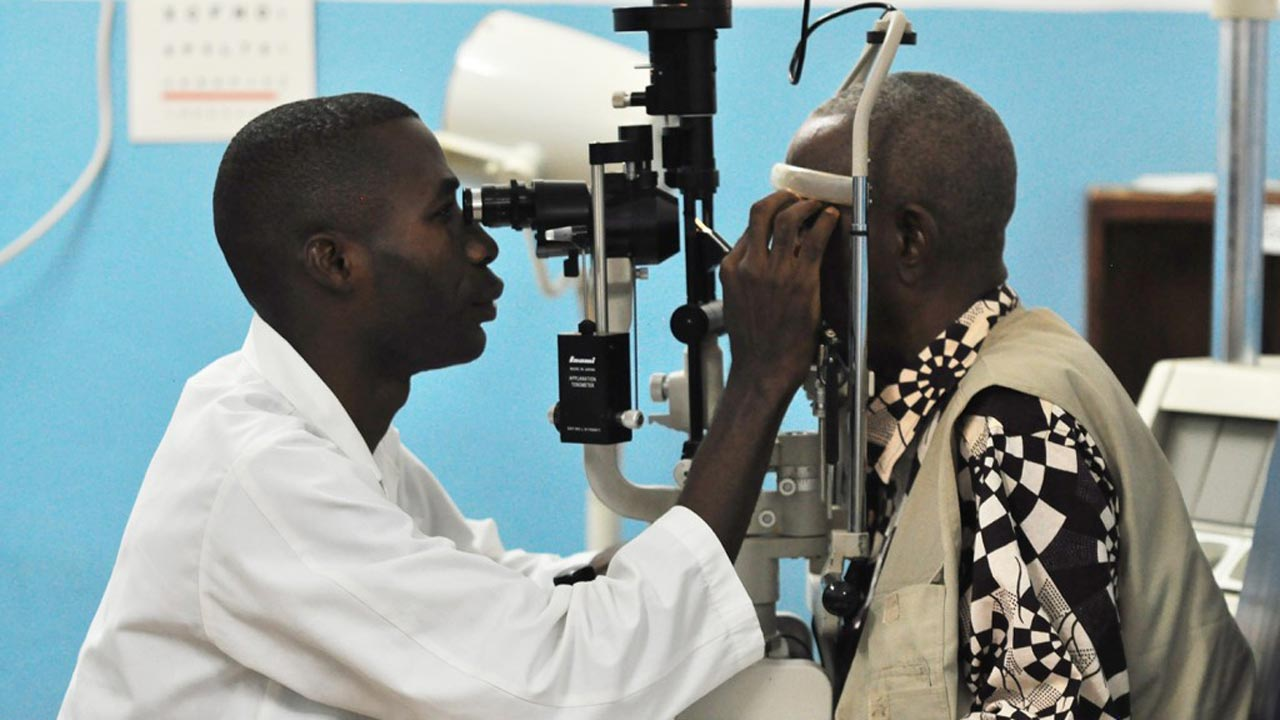Ophthalmologist. PHOTO: cmalliance.org