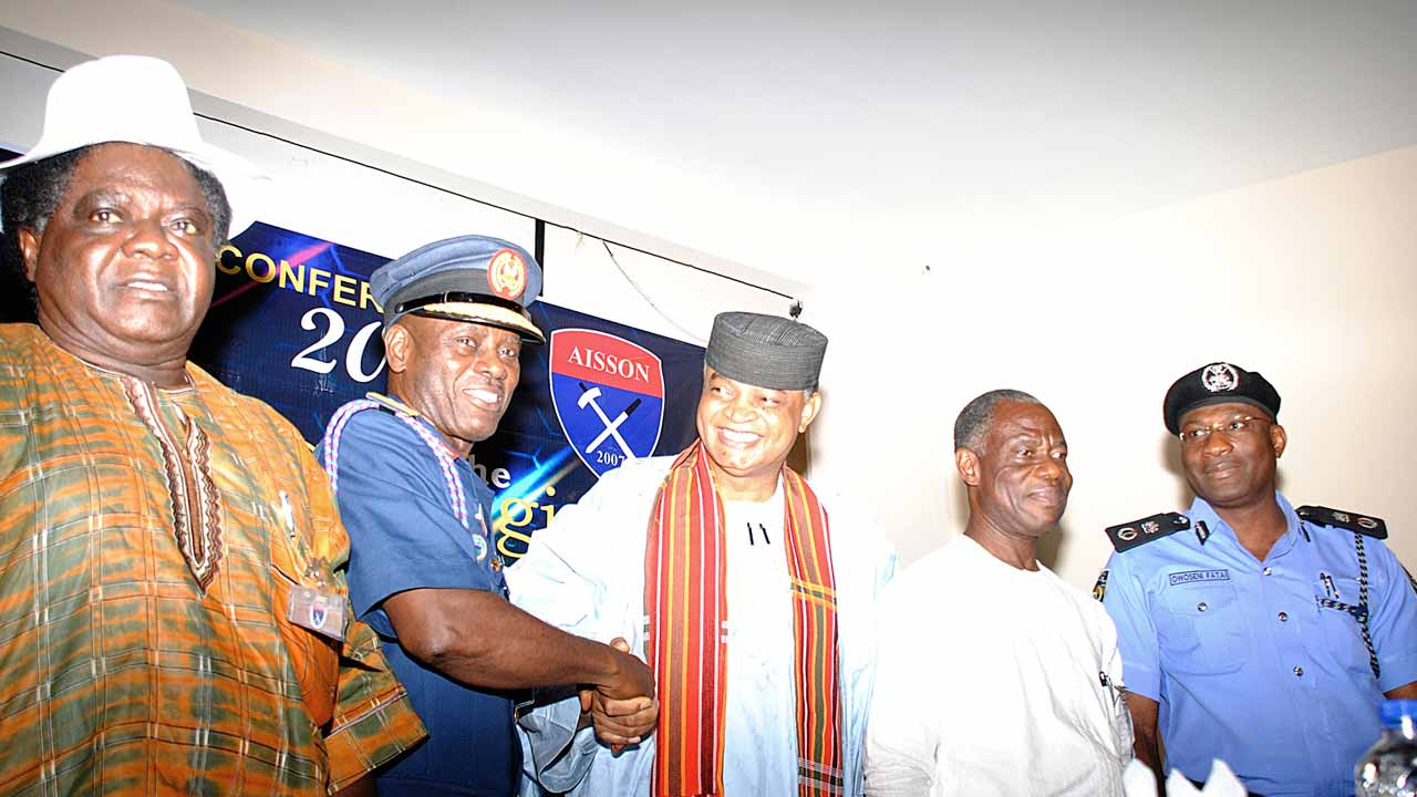 Chairman of the ocassion, retired Major-General, Robert Adoba (left); representative of the Chief of Defence Staff, Air Vice Marshal Christopher Gudi; President, Association of Industrial Security and Safety Operators of Nigeria (AISSON), Dr Ona Ekhomu; Major General Adewunmi Ajibade (rtd)and Commissioner of Police, Lagos State, Mr. Owoseni Fatai, during AISSON's security conference in Lagos. PHOTO: OSENI OLADELE YUSUF
