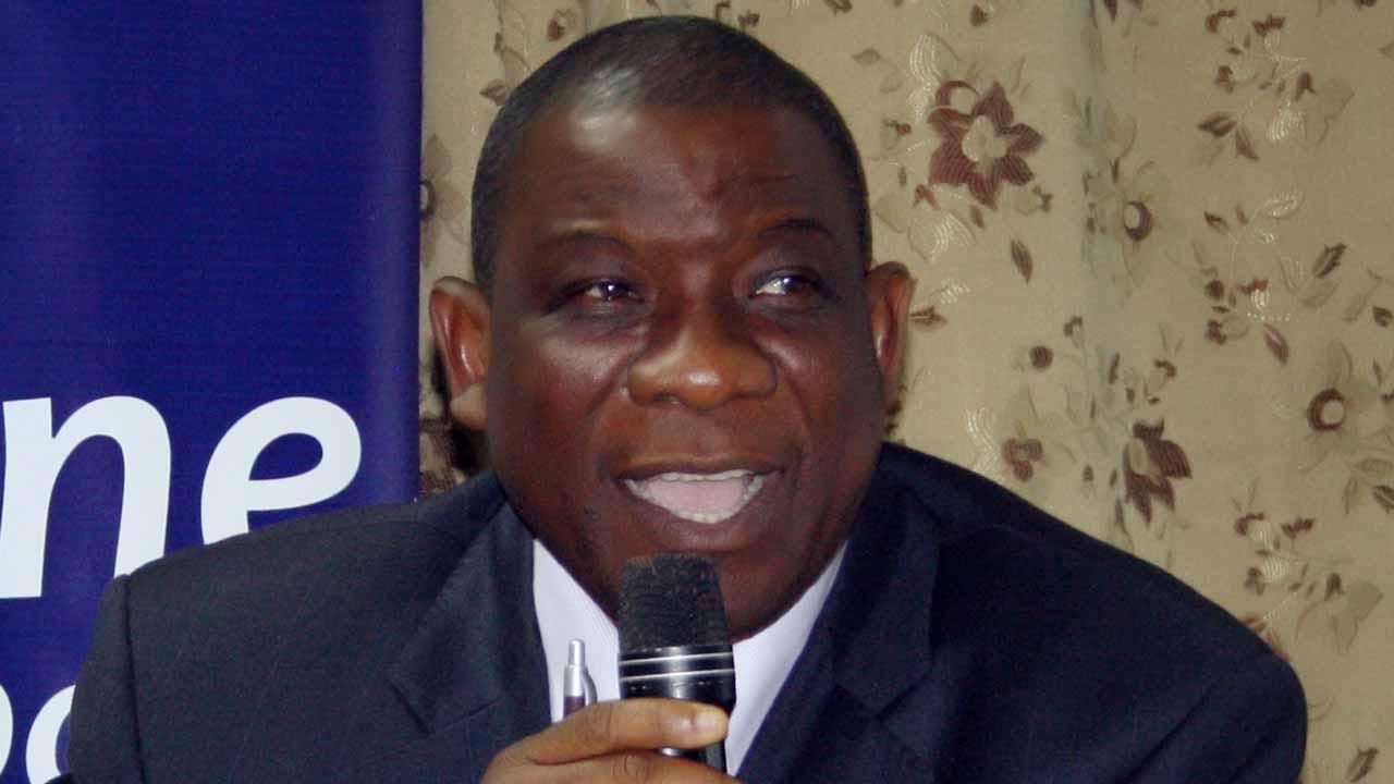 Dr Tunde Adekola