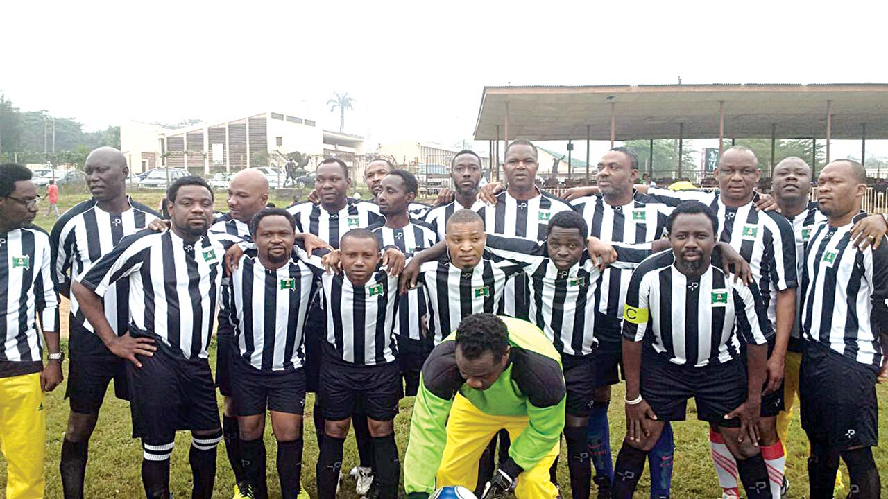 Members of the El Marino Sports Club before their friendly match with U.I All Stars, which ended 1 – 1 at the Ibadan Poly Sports Complex…recently.