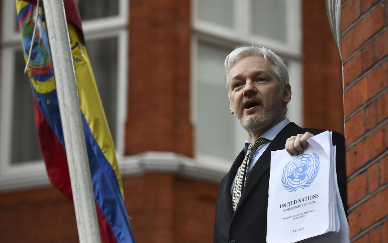 WikiLeaks founder Julian Assange / AFP PHOTO / BEN STANSALL