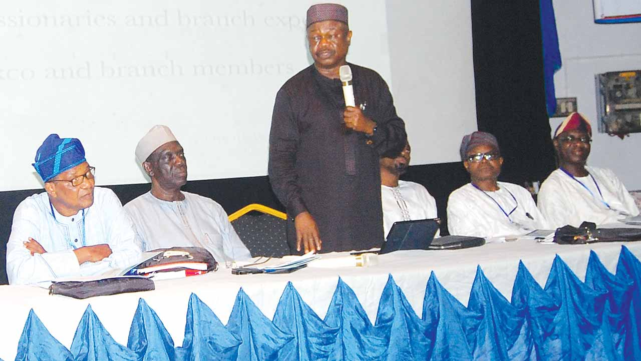 NASFAT President, Alhaji Kamil Yomi Bolarinwa (standing) and other elders at the retreat