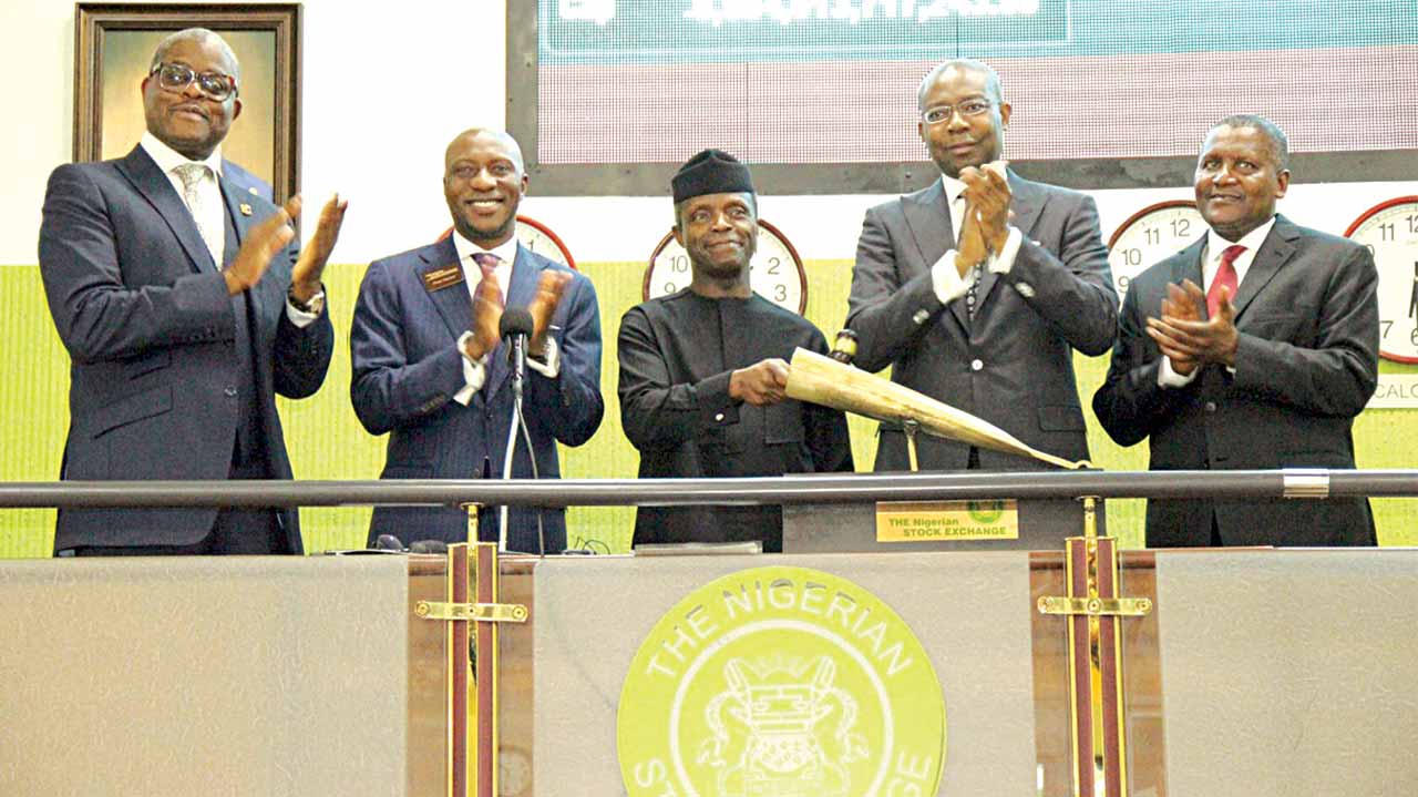 First Vice President, The Nigerian Stock Exchange (NSE), Abimbola Ogunbanjo (left); Chief Executive Officer, NSE, Oscar N. Onyema; Vice President, Federal Republic of Nigeria, Prof. Yemi Osinbajo; President, NSE, Aigboje Aig-Imoukhuede; and former President, NSE, Alhaji Aliko Dangote, during an interactive session with capital market stakeholders and closing gong ceremony at the NSE at the weekend.