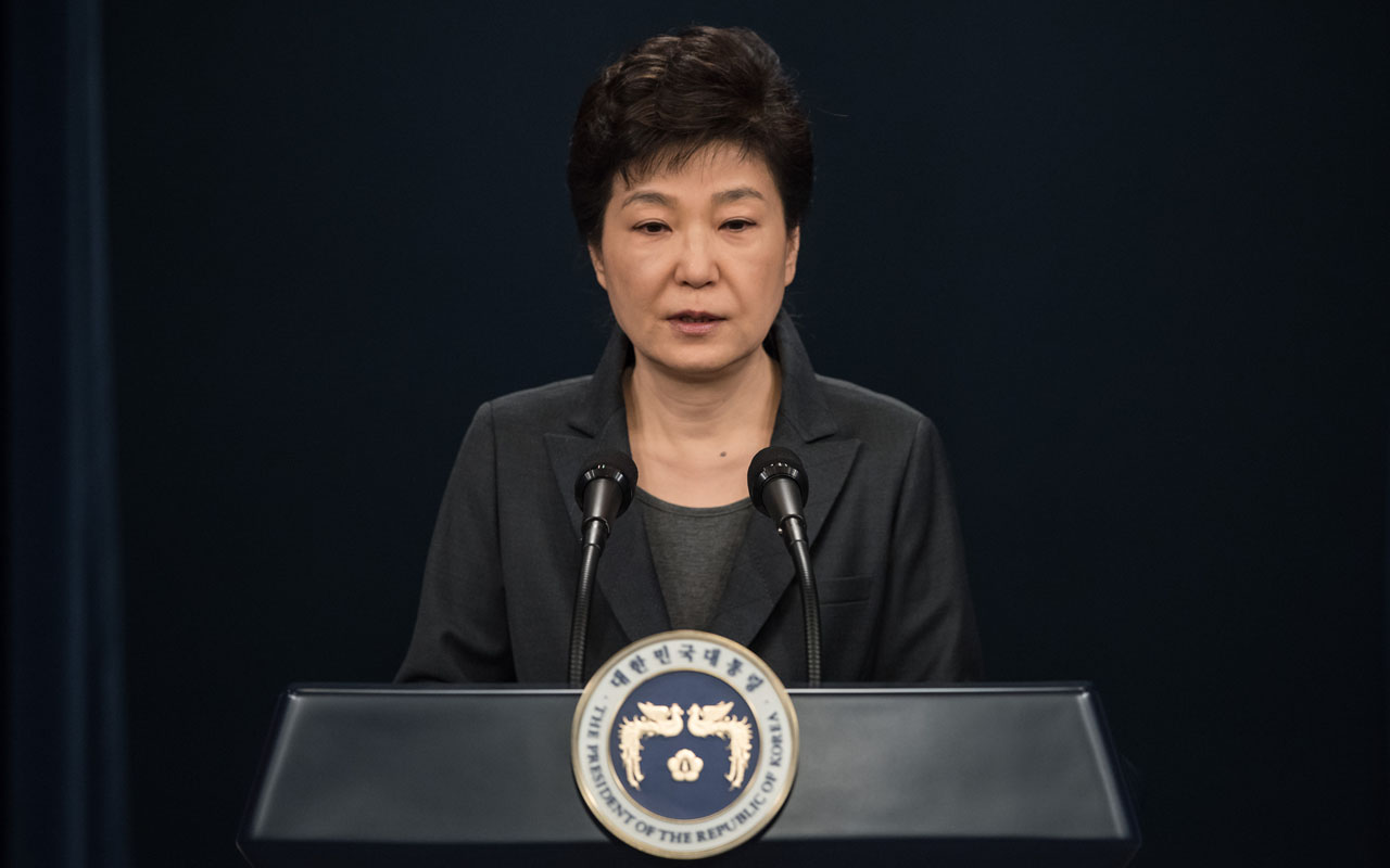 "South Korea's President Park Geun-Hye speaks during an address to the nation at the presidential Blue House in Seoul on November 4, 2016. Park on November 4 agreed to submit to questioning by prosecutors investigating a corruption scandal engulfing her administration, accepting that the damaging fallout was ""all my fault"". / AFP PHOTO / POOL / Ed Jones"