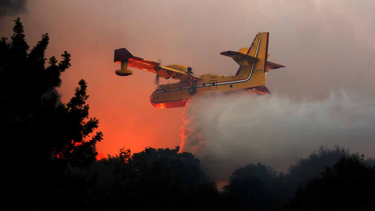 Plane Fighting Games >> Foreign planes combat Israel wildfires as arrests made ...