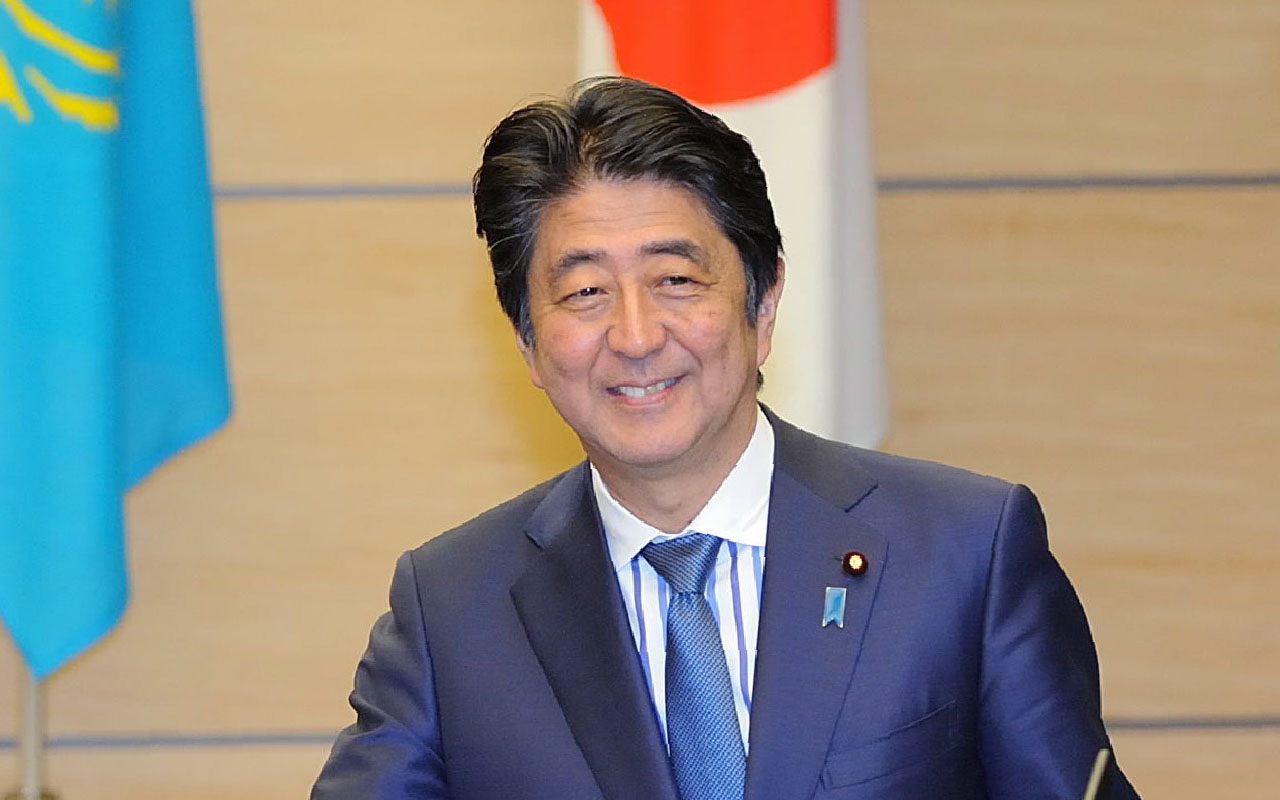Japan's Prime Minister Shinzo Abe / AFP PHOTO / POOL / David MAREUIL