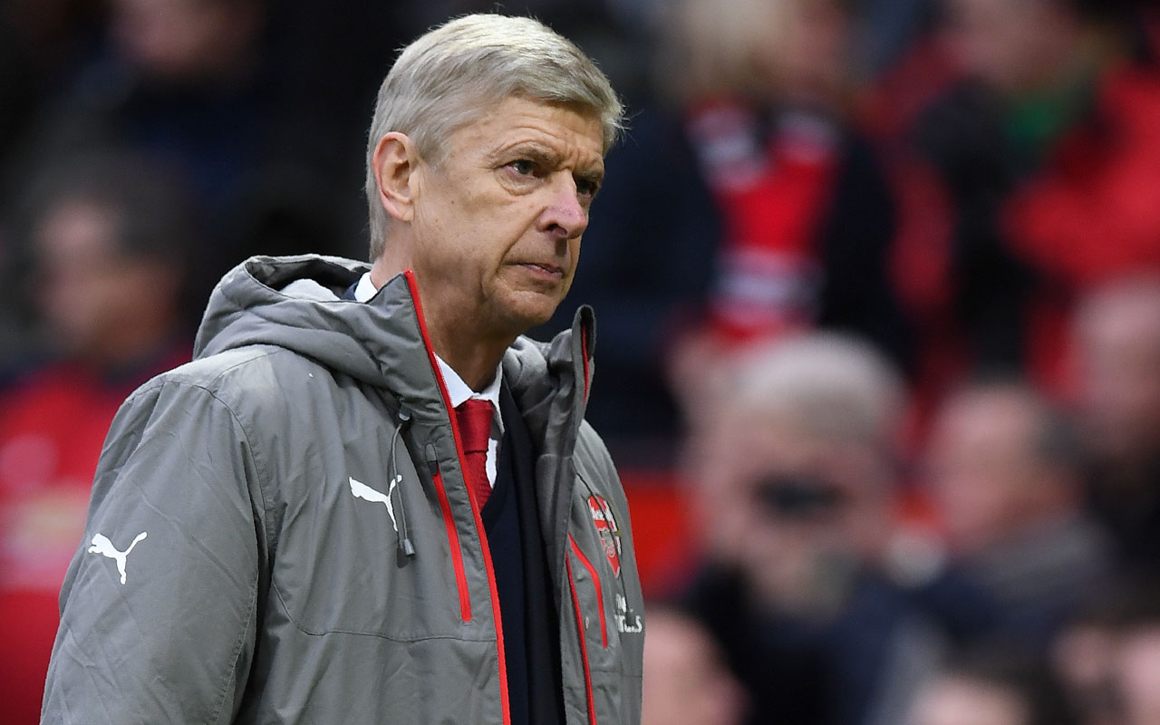 Wenger vows to stick with troubled Arsenal