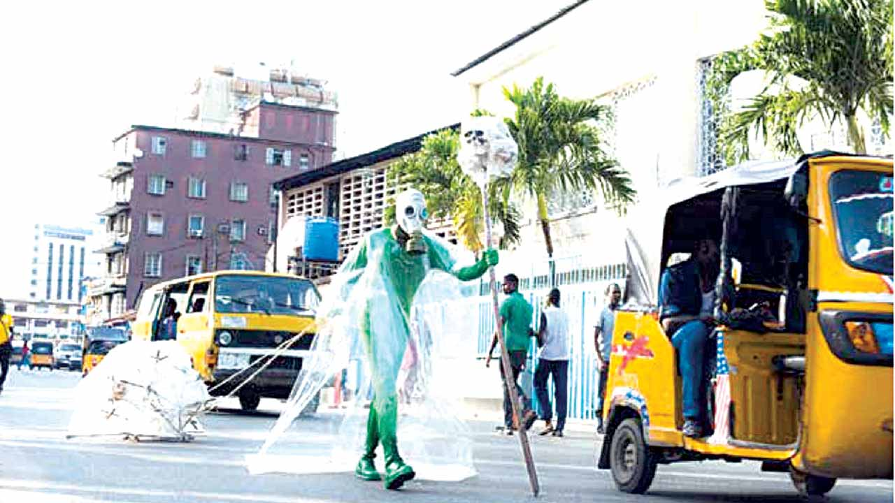 Jelili Atiku, Kill Not This Country (Maanifesito II), Catholic Mission Street/ Hospital Road / Broad Street, Lagos Island, Saturday November 31, 2015. Photo by Emmanuel Sanni