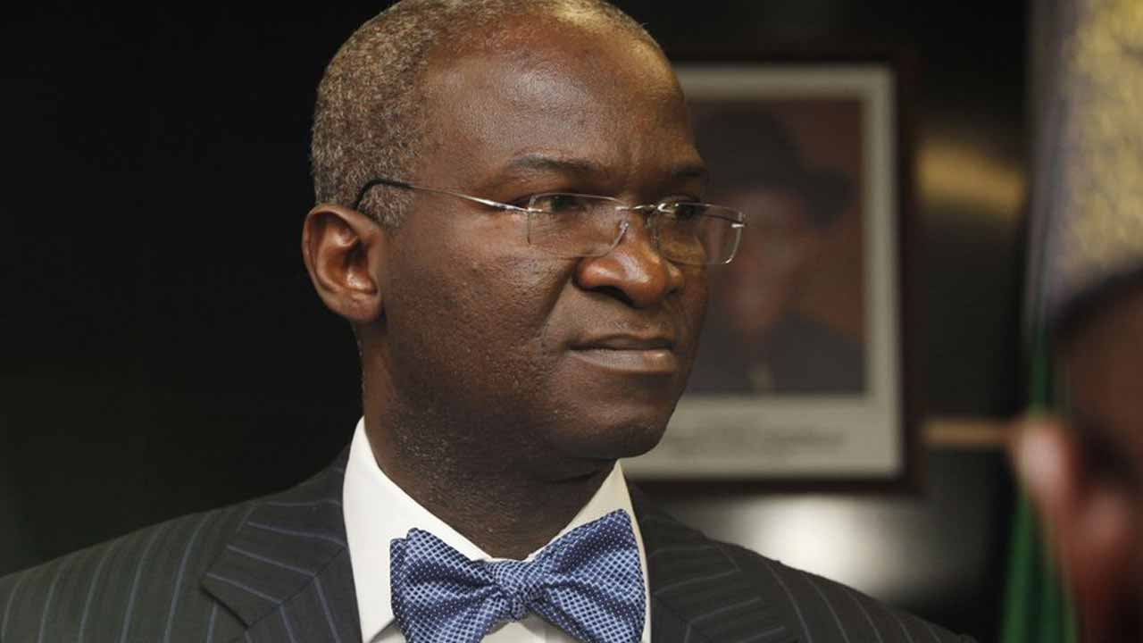 Fashola says power generation hits 7,000mw, 5,155mw transmitted, 2000mw stranded