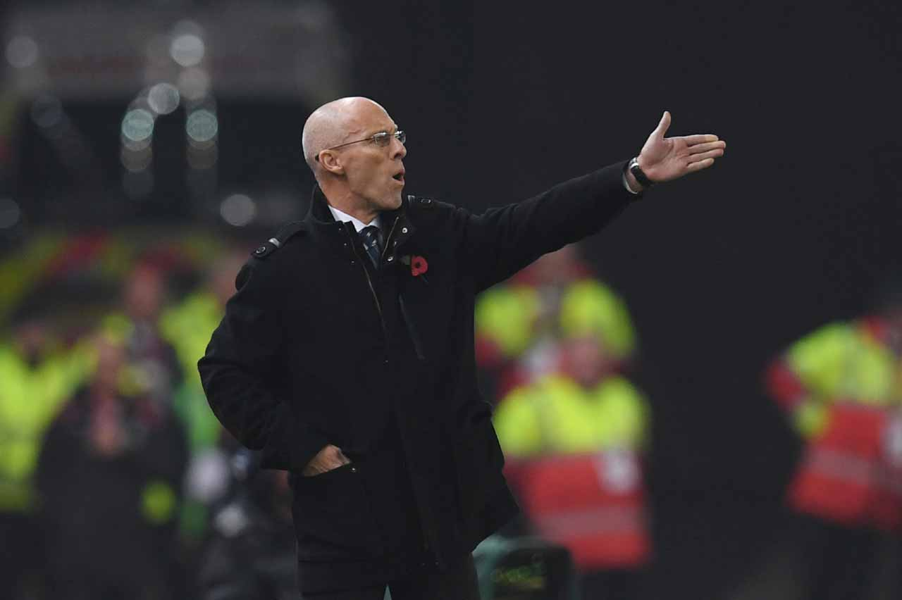 (FILES) This file photo taken on October 31, 2016 shows Swansea City's US manager Bob Bradley reacting during the English Premier League football match between Stoke City and Swansea at the Bet365 Stadium in Stoke-on-Trent, central England. Premier League strugglers Swansea City dismissed coach Bob Bradley on December 27 after just 11 games in charge, the club announced on its website. American Bradley replaced Francesco Guidolin in October but the Swans have won just twice following his appointment and lie second from bottom in the table. PAUL ELLIS / AFP