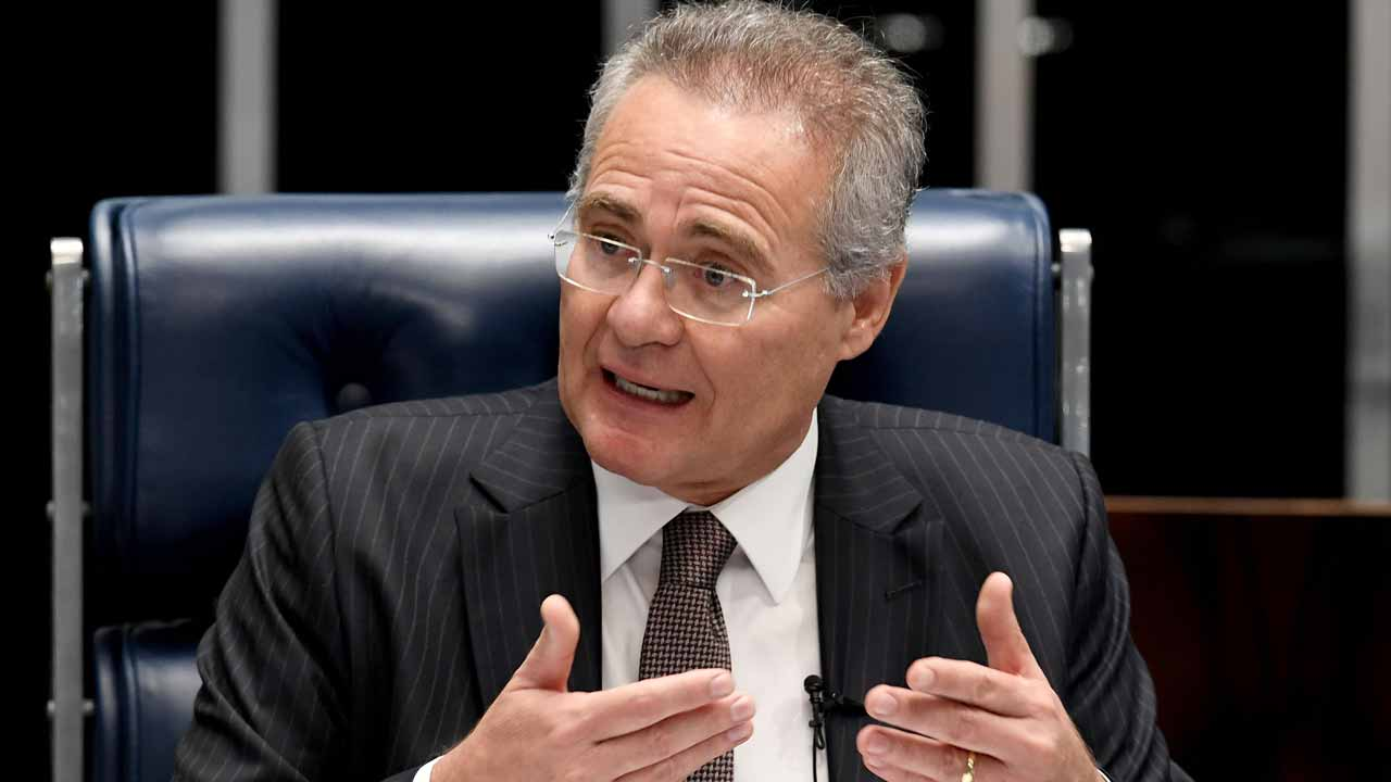 (FILES) This file photo taken on December 01, 2016 shows Senate's President Renan Calheiros speaking during a public hearing on the bill that establishes the abuse of authority for judges and prosecutors, in the Senate in Brasilia. Brazil's supreme court suspended the Senate's powerful speaker, Renan Calheiros, on December 5, 2016, ahead of him going on trial for alleged corruption. EVARISTO SA / AFP