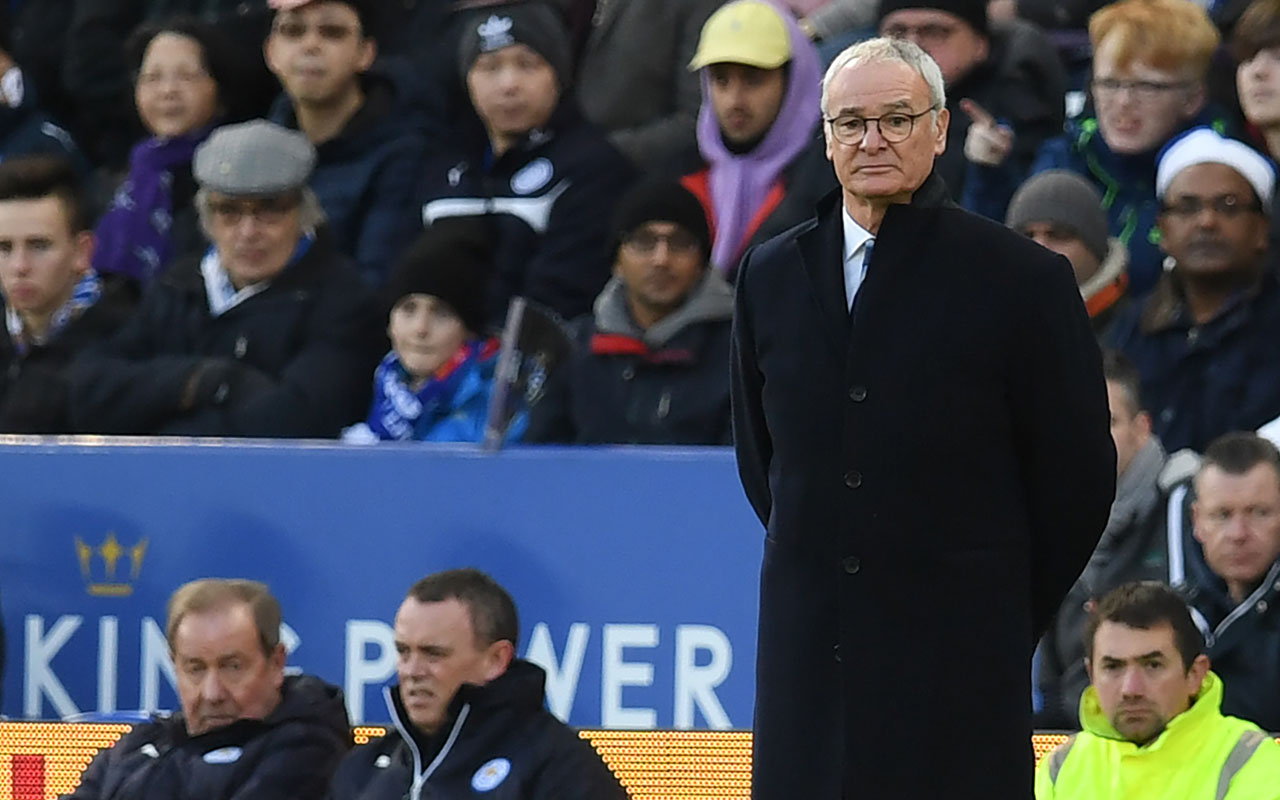 Leicester City's Italian manager Claudio Ranieri watches from the touchline during the English Premier League football match between Leicester City and Everton at King Power Stadium in Leicester, central England on December 26, 2016. / AFP PHOTO / Paul ELLIS /