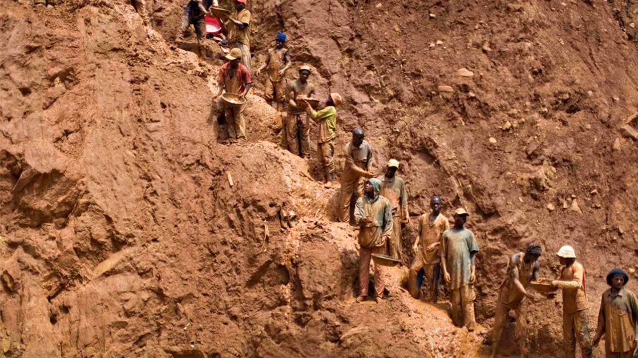 At least 20 people were killed in a gold mine collapse in the Democratic Republic of Congo, a local minister said on Sunday.