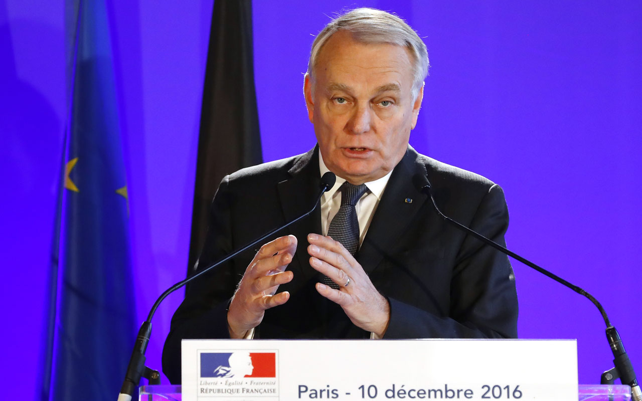 France's Foreign Minister Jean Marc Ayrault .  / AFP PHOTO / PATRICK KOVARIK