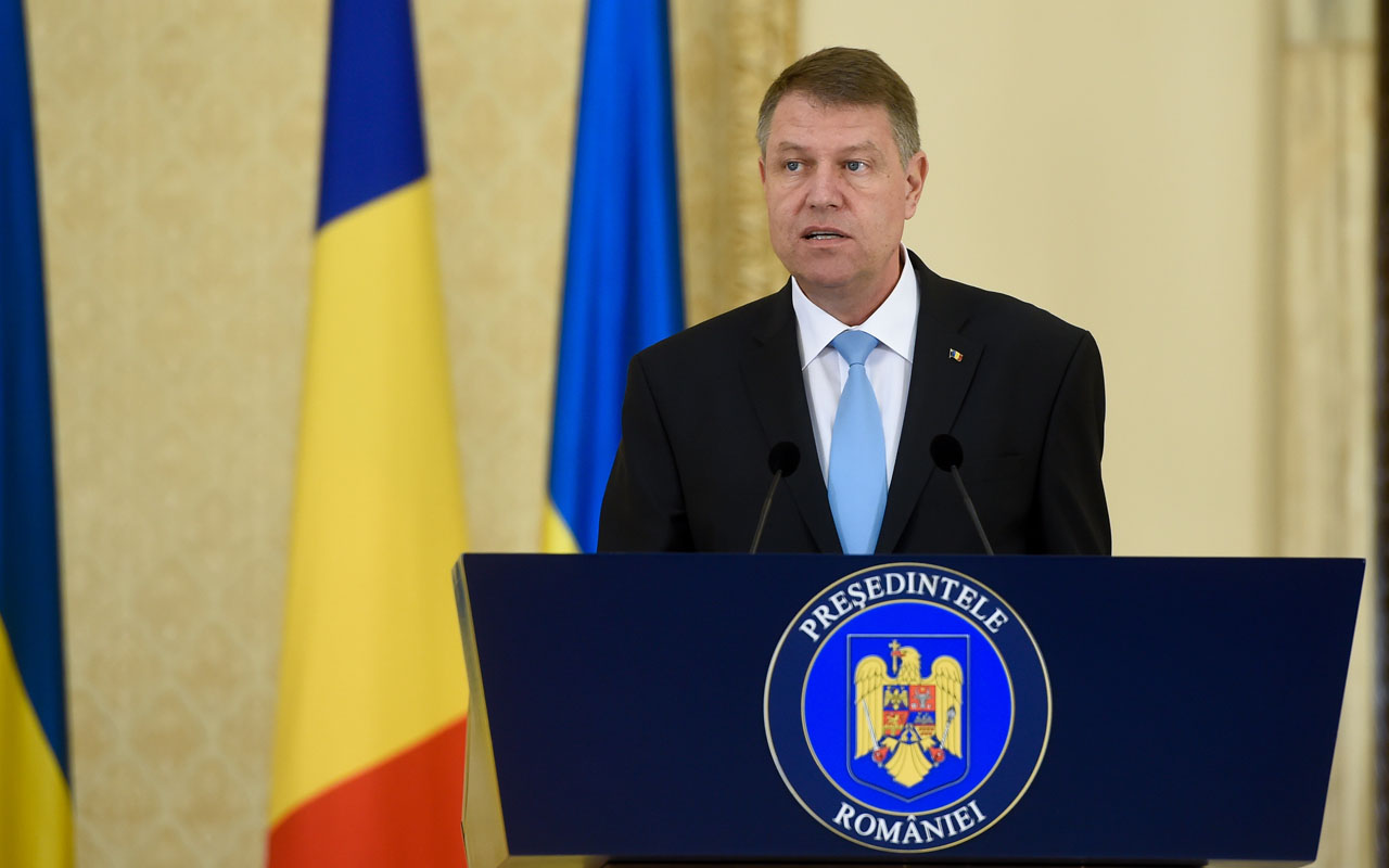 (FILES) In this file photo taken on April 21, 2016 Romanian President Klaus Iohannis attends a joint press conference with the Ukrainian President (unseen) at the the Cotroceni Presidential Palace in Bucharest. Romania's president rejected on December 27, 2016 the left-wing Social Democrats' candidate for prime minister, Sevil Shhaideh, who would have been the EU's country first female and Muslim premier. / AFP PHOTO / STR