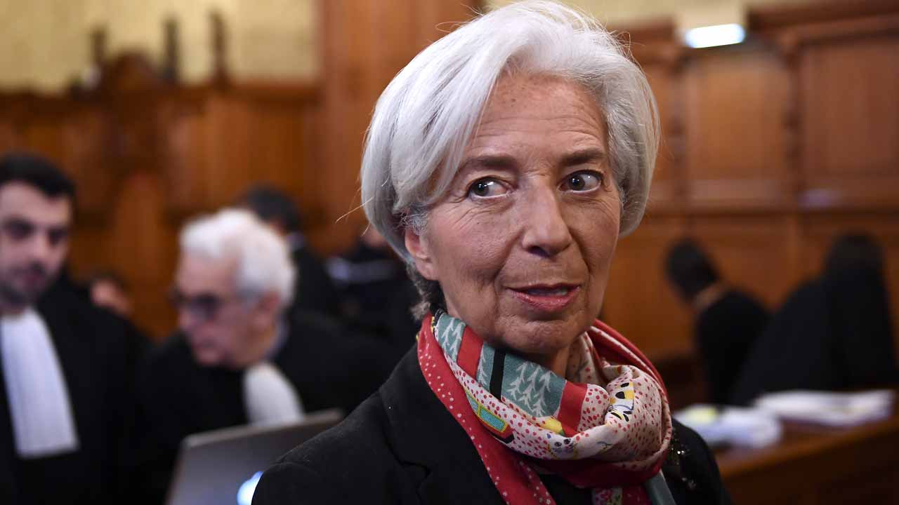 IMF chief Christine Lagarde waits in a courtroom of the Paris courthouse on December 12, 2016 prior to the start of her trial before the Court of Justice of the Republic, a special tribunal used to try ministers. IMF chief Christine Lagarde goes on trial in France on December 12 over a massive state payout to a flamboyant tycoon when she was finance minister in a case that risks tarnishing her stellar career. Martin BUREAU / AFP