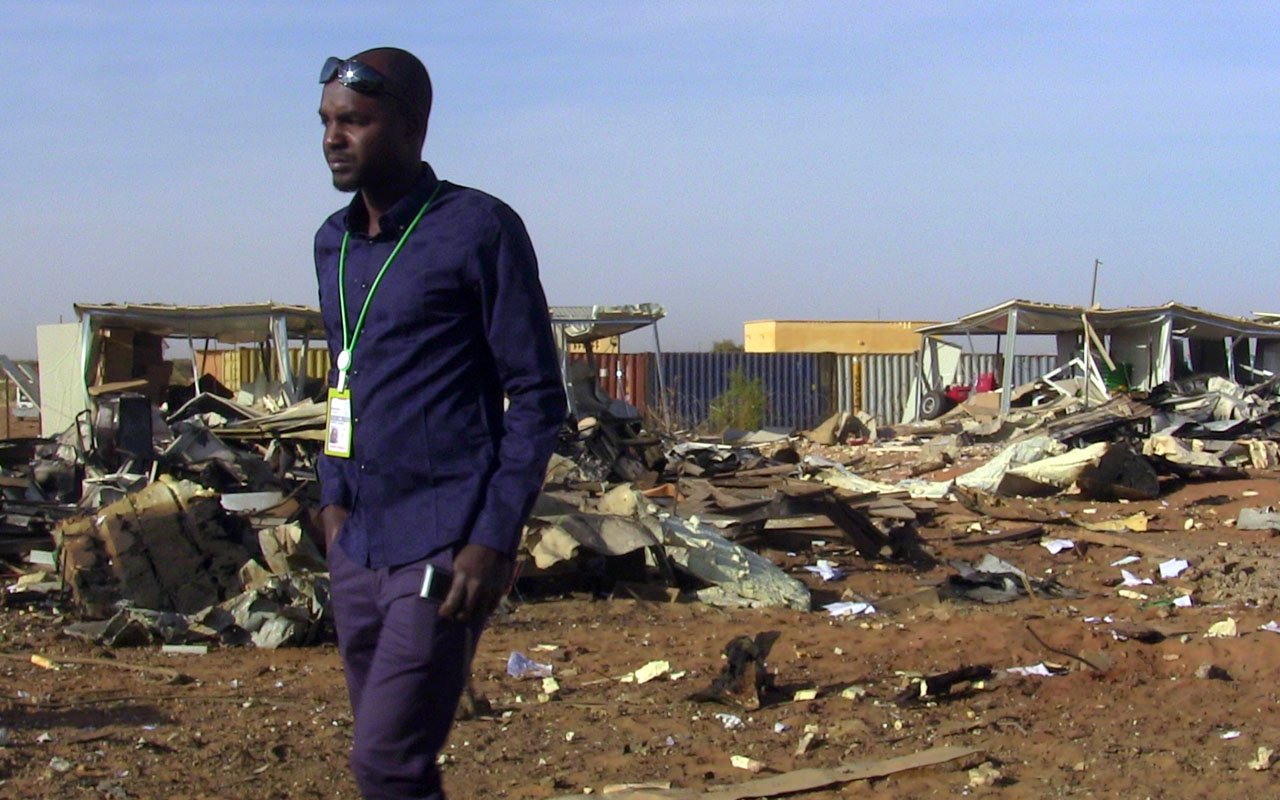 clashes in mali leave one dead as gao airport is closed the