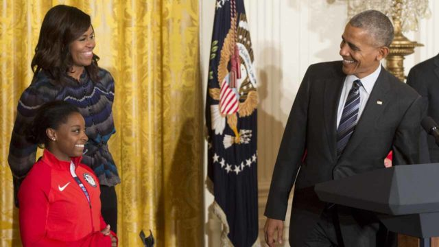 Obamas send their final Christmas message from White House — World ...