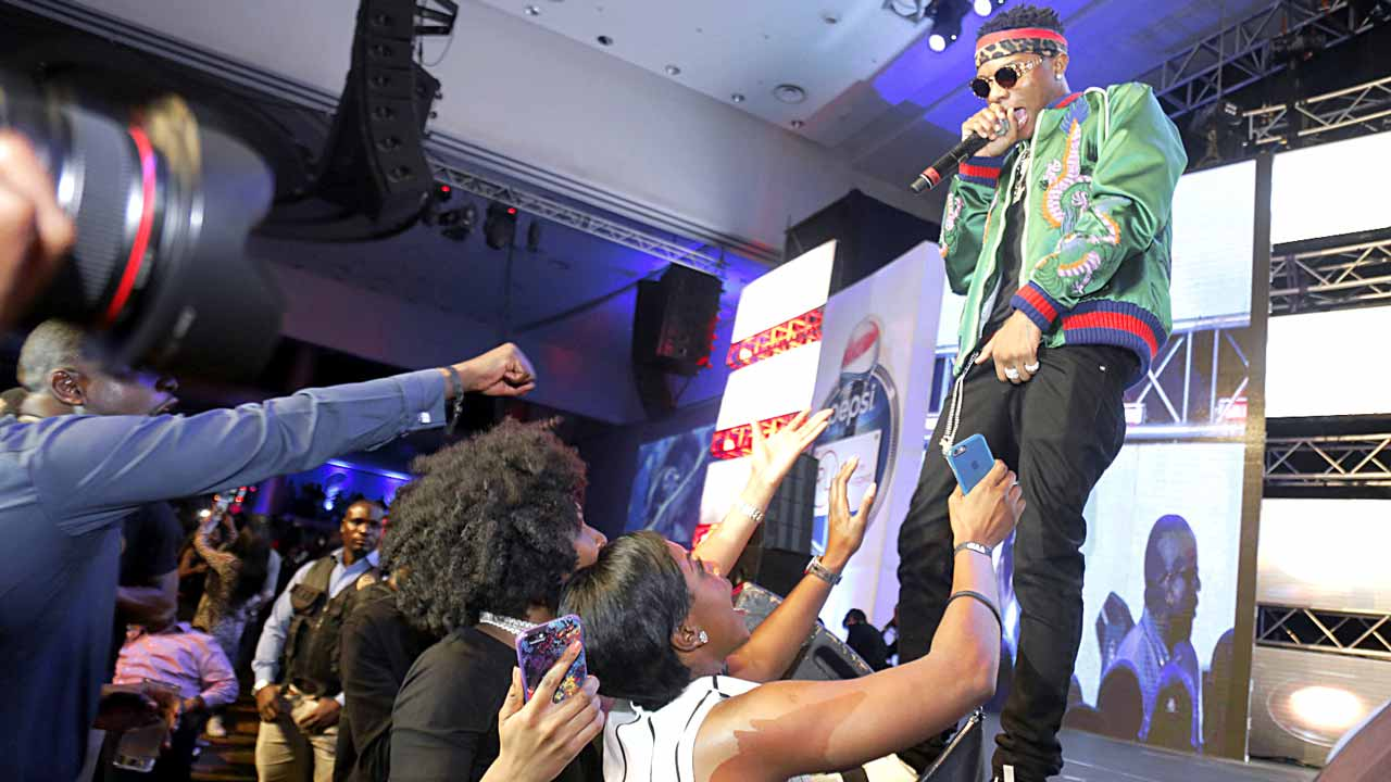 Wizkid entertaining the crowd