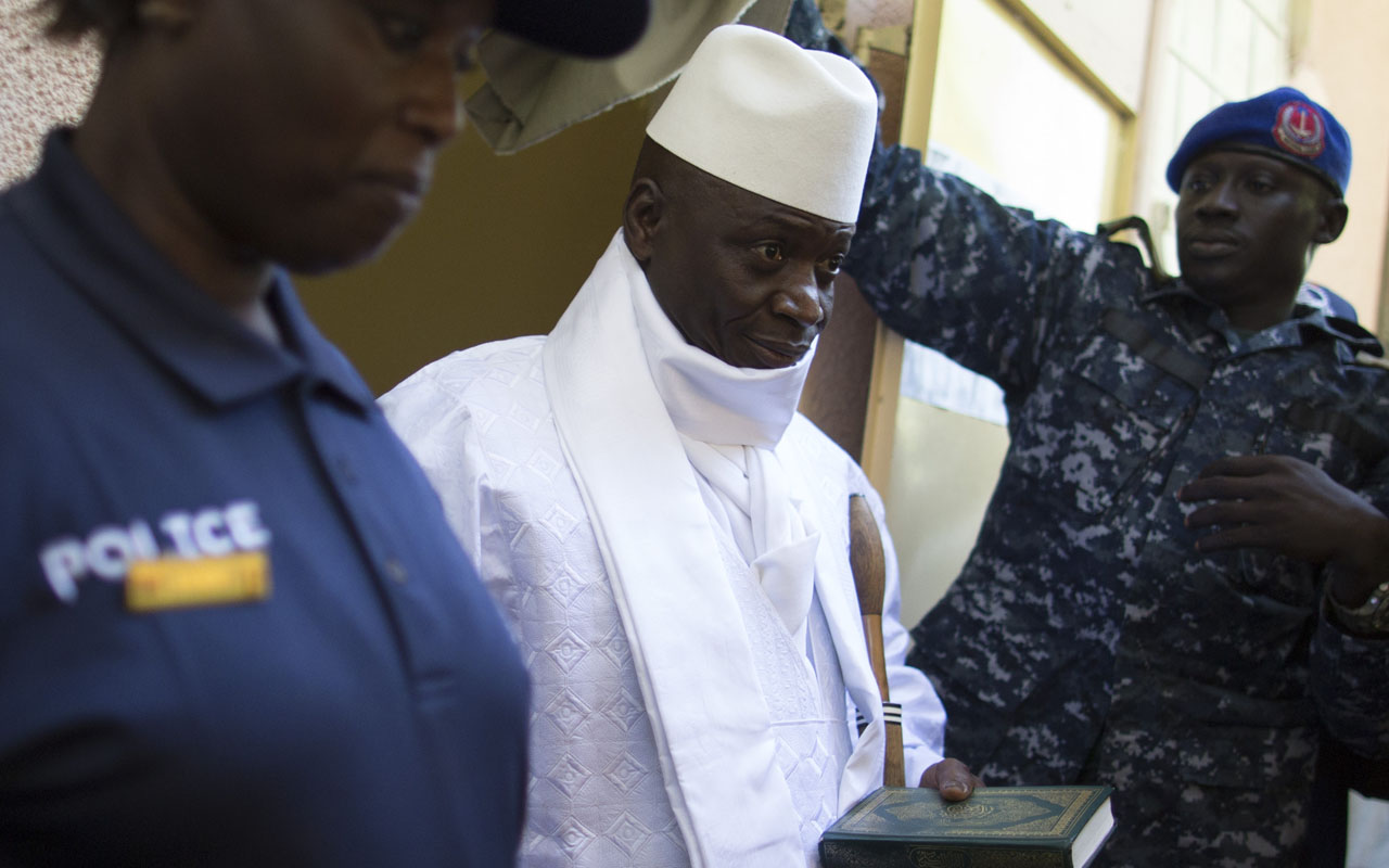 Yahya Jammeh / AFP PHOTO / MARCO LONGARI